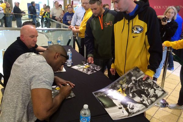 Player autographs dicks chesterfield mo