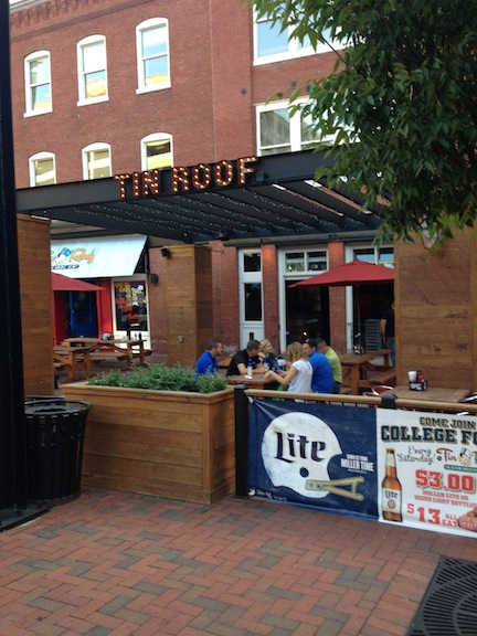 187 Blog Archive A Live Music Joint Tin Roof Is Big Hit